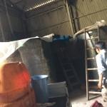 柿渋を1トン搬送