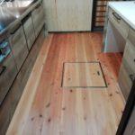 台所の床など